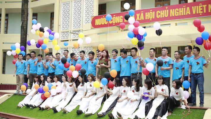 Lớp 12A8 trường THPT Bỉm Sơn khóa (1998-2001)